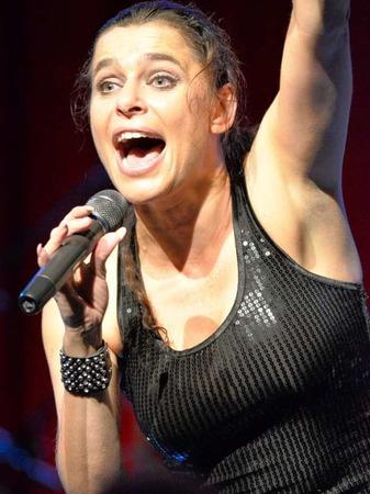 Absolute Powerfrau: Julia Neigel,  eine der besten Rockröhren