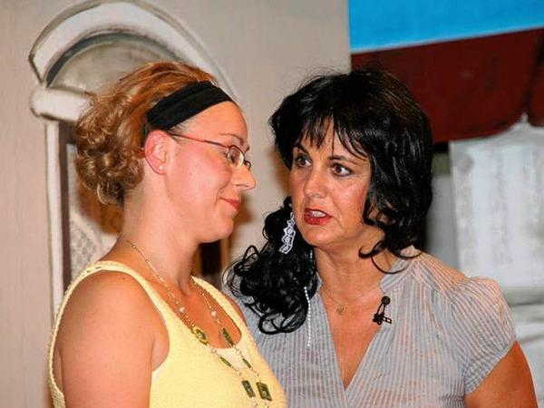 Spannend und vergn�glich war's bei den Theaterabenden der Heilig-Geist-Gemeinde im Pfarrheim.