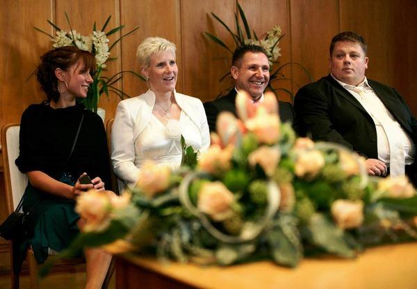 Das Brautpaar Susanne (33) und Helmut Wege (41) in frankfurt.