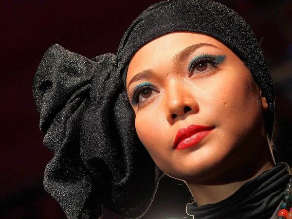 Datuk Tom Abang Saufi, Datuk Radzuan Radziwill, Farah Khan, Melinda Looi und Jovian Mandagie – das sind die Stardesigner beim Islamic Fashion Festival.