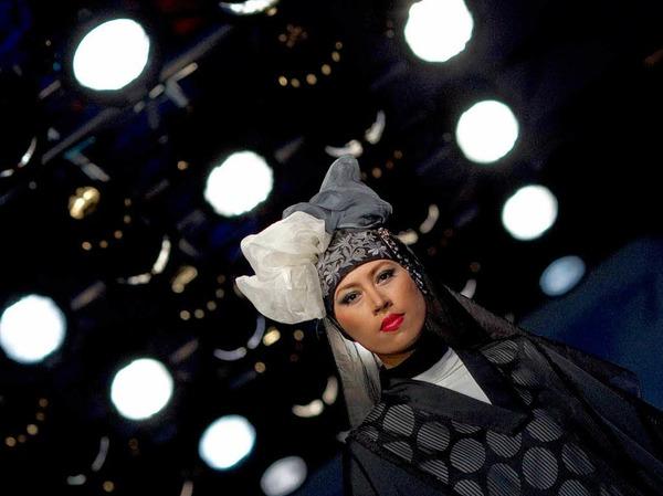 Datuk Tom Abang Saufi, Datuk Radzuan Radziwill, Farah Khan, Melinda Looi und Jovian Mandagie - das sind die Stardesigner beim Islamic Fashion Festival.