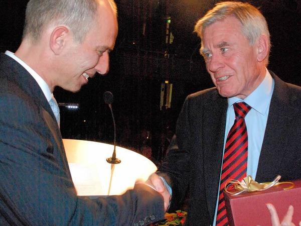 Happy Birthday Oberb�rgermeister und ein Pr�sent von der Stadtmusik