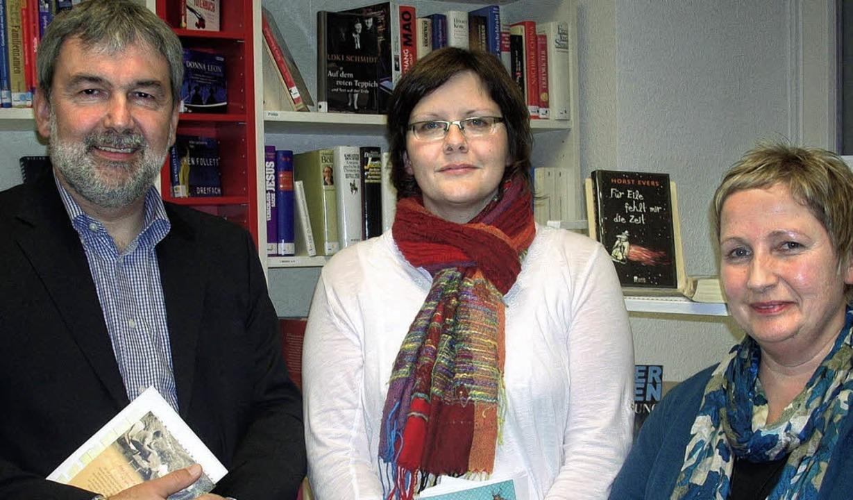 Heinz Siefert, Melanie Binz und Ursula...rgelesen, die ihnen am Herzen liegen.   | Foto: Andrea Bär