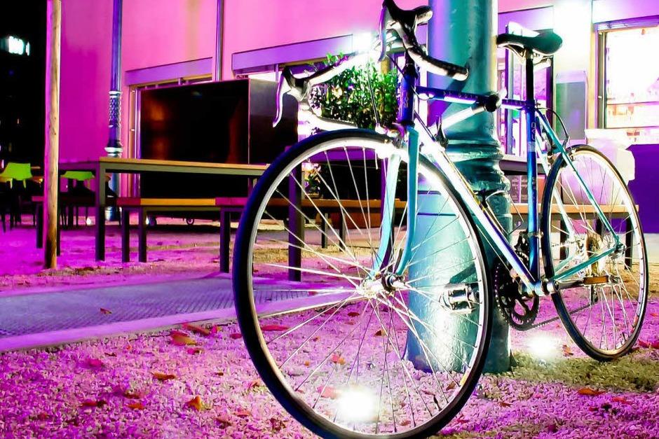 Ganz schön bunt: die Green City bei Nacht (Foto: Carlotta Huber)