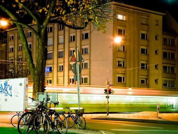 fotos so hell leuchtet freiburg bei nacht freiburg fotogalerien badische zeitung. Black Bedroom Furniture Sets. Home Design Ideas