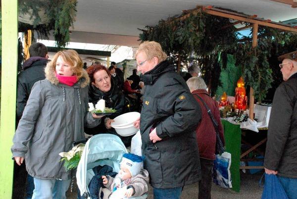 Impressionen vom Weihnachtsmarkt in Grenzach-Wyhlen 2011.