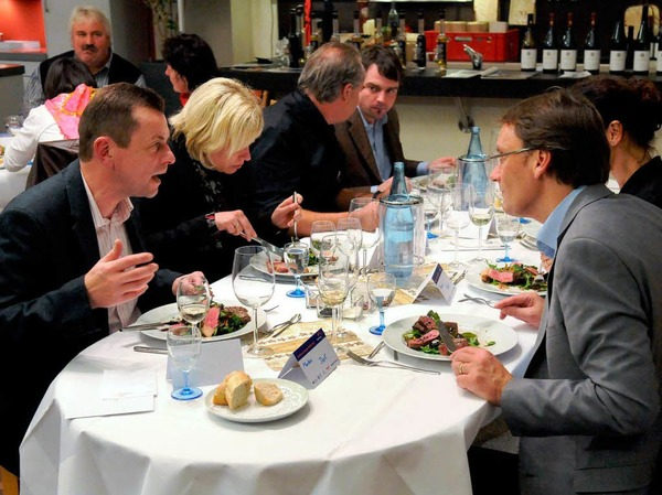 Weihnachtsmenü, duftende Weine und Edelbrände und dazu Swing mit Tobias Gnacke- die Gäste erlebten einen sinnlichen Abend.