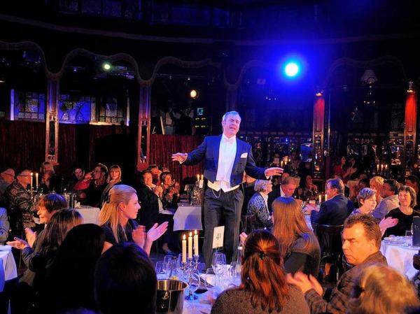 200 Leser der Badischen Zeitung haben sich bei der Sondervorstellung des Teatro Colombino in Freiburg glänzend amüsiert.