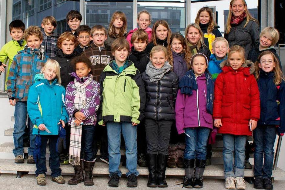Die Klasse 4d der Freien Evangelischen Schule Lörrach mit ihrer Lehrerin Stefanie Ruß. (Foto: BZ)