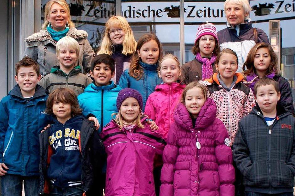 Die Klasse 4b der Grundschule Bad Bellingen mit ihrer Lehrerin Sigrid Kiesewetter-Wöllner. (Foto: BZ)