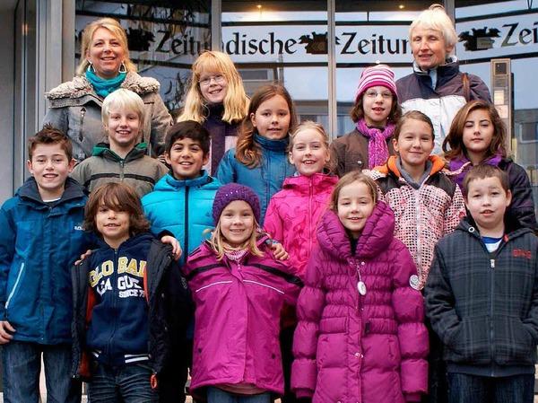 Die Klasse 4b der Grundschule Bad Bellingen mit ihrer Lehrerin Sigrid Kiesewetter-Wöllner.