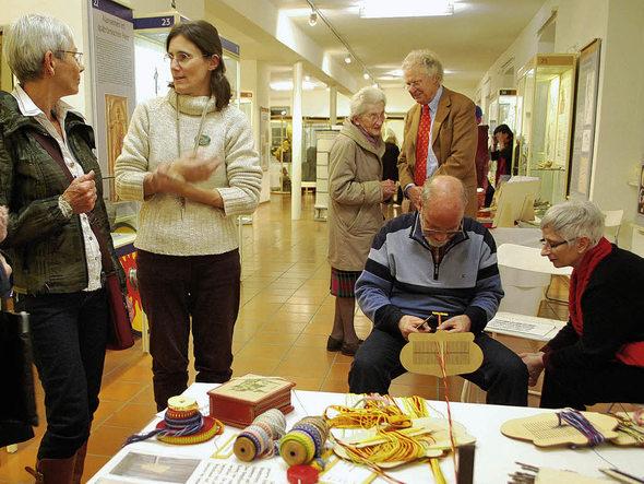 breisach kunsthandwerkermarkt im stadtmuseum gelungene premiere weihnachtsmuseum kommt gut. Black Bedroom Furniture Sets. Home Design Ideas