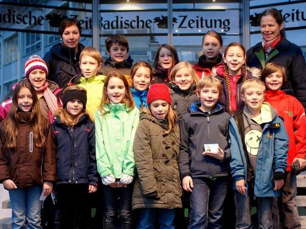 Die Klasse 4b der Schneeburgschule aus Freiburg mit ihrer Lehrerin Angelika Müller.