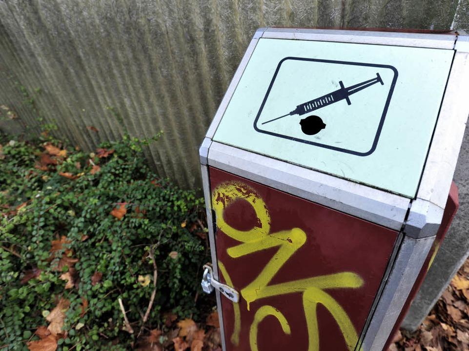 Spezieller Abfallbehälter für Spritzen  | Foto: Ingo Schneider