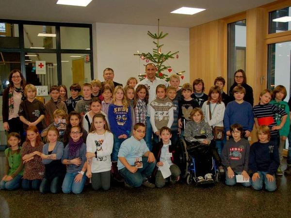 Boxprofi Arthur Abraham besucht im Rahmen der BZ-Aktion Zeitung in der Schule (Zisch) die Mörburgschule in Schutterwald.
