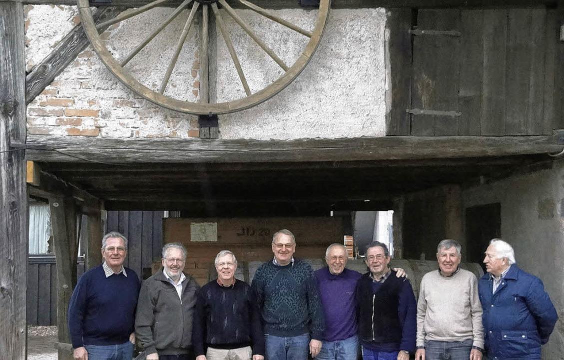 Manfred Wössner (von links) freut sich...laus-Peter Schlenk und Siggi Schulze.     Foto: Heimatverein
