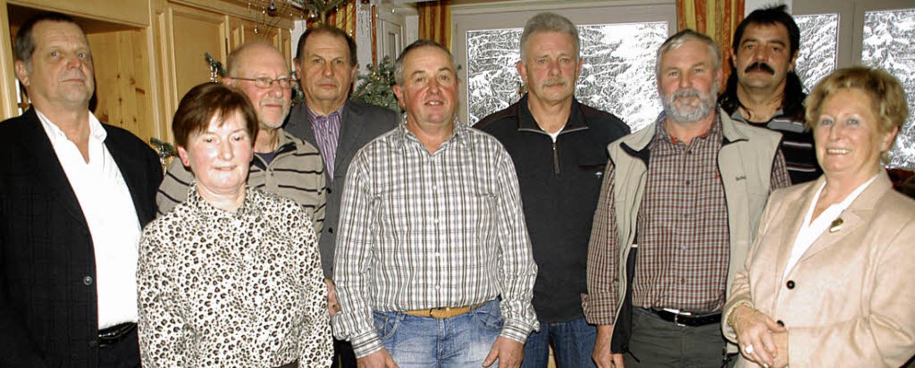Die Firmengruppe Vogel-Walliser ehrte ...rabschiedete einige in den Ruhestand.   | Foto: Verena Wehrle