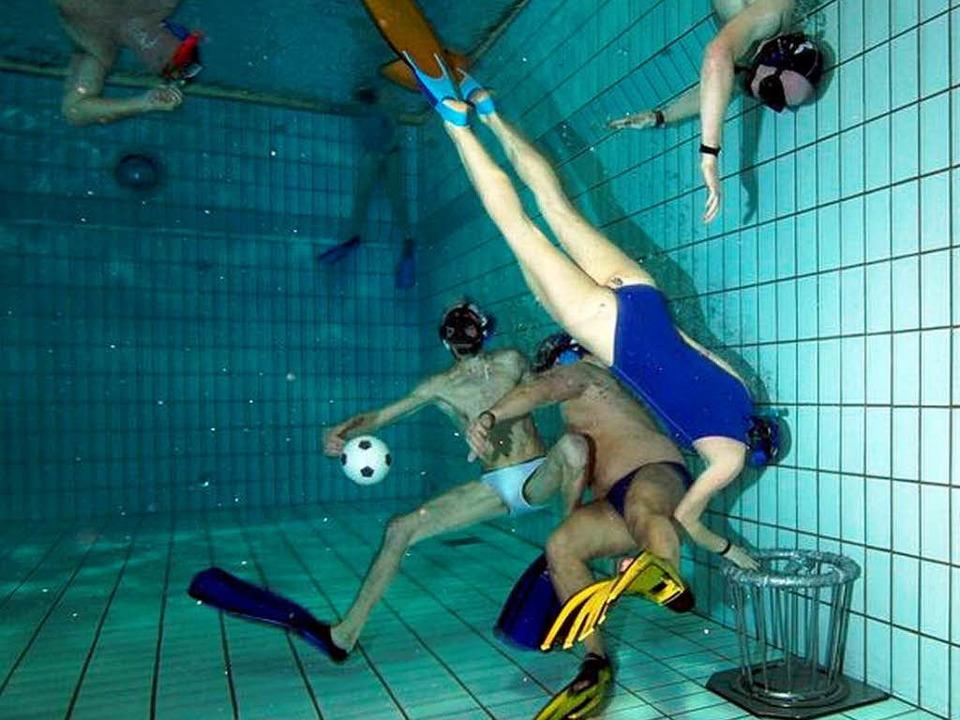 Kein Sport für Zuschauer: Unterwasserrugby.     Foto: Tauchclub OG