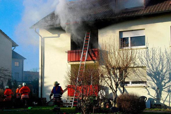 rheinfelden wohnungsbrand in der w hlerstra e schwerverletzt nach sprung vom balkon badische. Black Bedroom Furniture Sets. Home Design Ideas