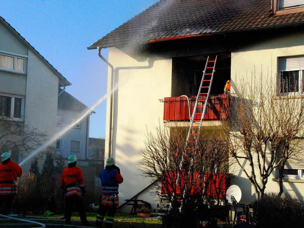 schwerverletzt nach sprung vom balkon rheinfelden badische zeitung. Black Bedroom Furniture Sets. Home Design Ideas