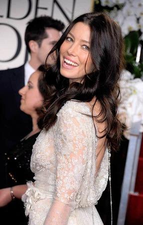 Allen Unkenrufen zum Trotz: Die Verlobte von Justin Timberlake Jessica Biel in Brautweiß.