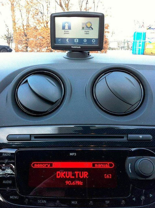 Praktisch ist das aufsteckbare Navigat...n Tomtom beim Seat Ibiza Cupra 1,4 TSI  | Foto: Hans-Henning Kiefer