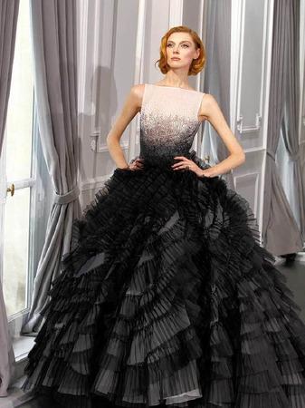 fotos haute couture in paris panorama fotogalerien badische zeitung. Black Bedroom Furniture Sets. Home Design Ideas