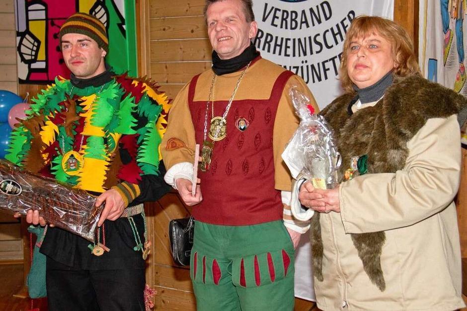 Gastzünfte bringen Geschenke mit (Foto: Wilfried Dieckmann)