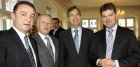 Schwab pl�diert f�r Binnenmarkt mit der Schweiz