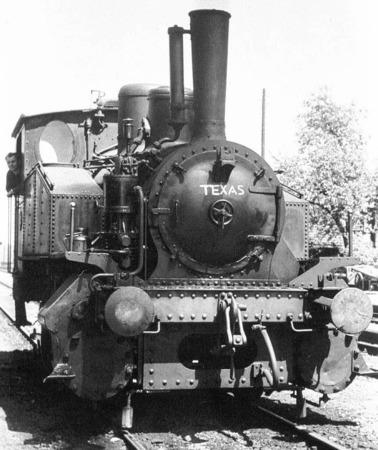 Die Texas-Lok transportierte die Waggons vom Werk zum Bahnhof Albbruck.