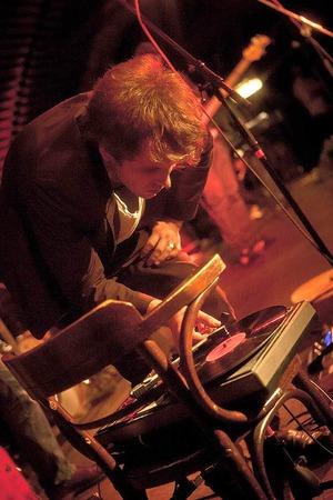 Jonas Birthelmer & Band beim Bandwettbewerb Rampe 2012 im Jazzhaus Freiburg.