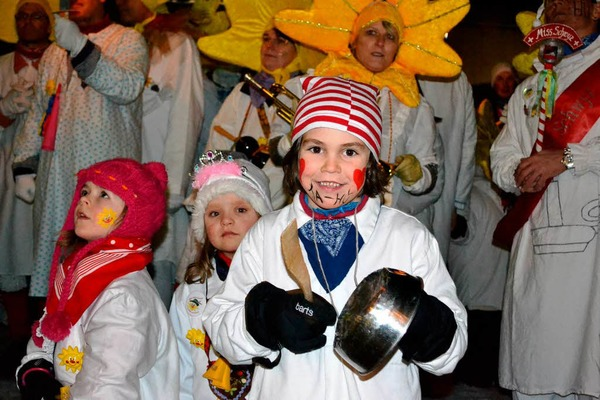 Groe Freude bei den Kleinen &amp;#8211; Fasnacht in Zell ist angesagt.
