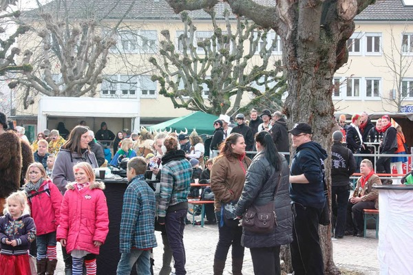 Eindr�cke vom Guggefestival auf dem Rathausplatz