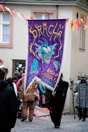 Kunterbunt ging's zu beim Umzug am Fasnachtsso ntag in Laufenburg