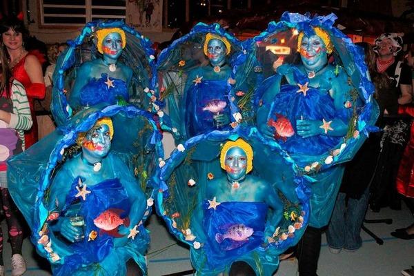 Originelle Kostümierungen beim Maskenball in Kappel.