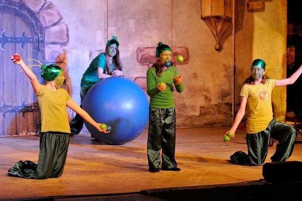 Die Staufener Schelmenzunft feierte mit den kleinen und großen Besuchern eine Party in der Schelmenhalle