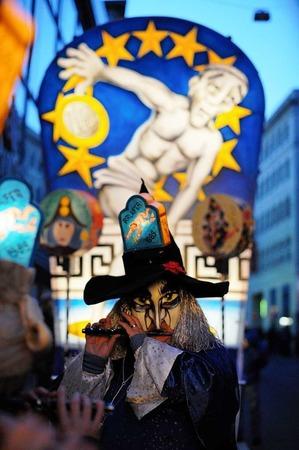 Mit dem Morgestraich begann am Montag die traditionelle Fasnacht in Basel.