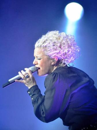 Steht auch in Freiburg stets im Rampenlicht: Entertainerin Ina Müller