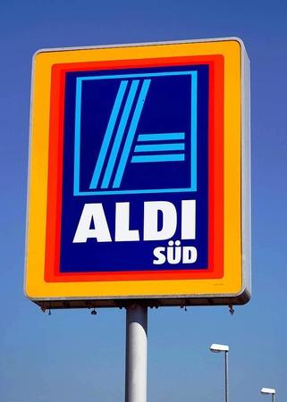 10. Karl Albrecht, 25 Milliarden Dollar, Aldi, Deutschland - von ihm gibt es leider kein Foto.