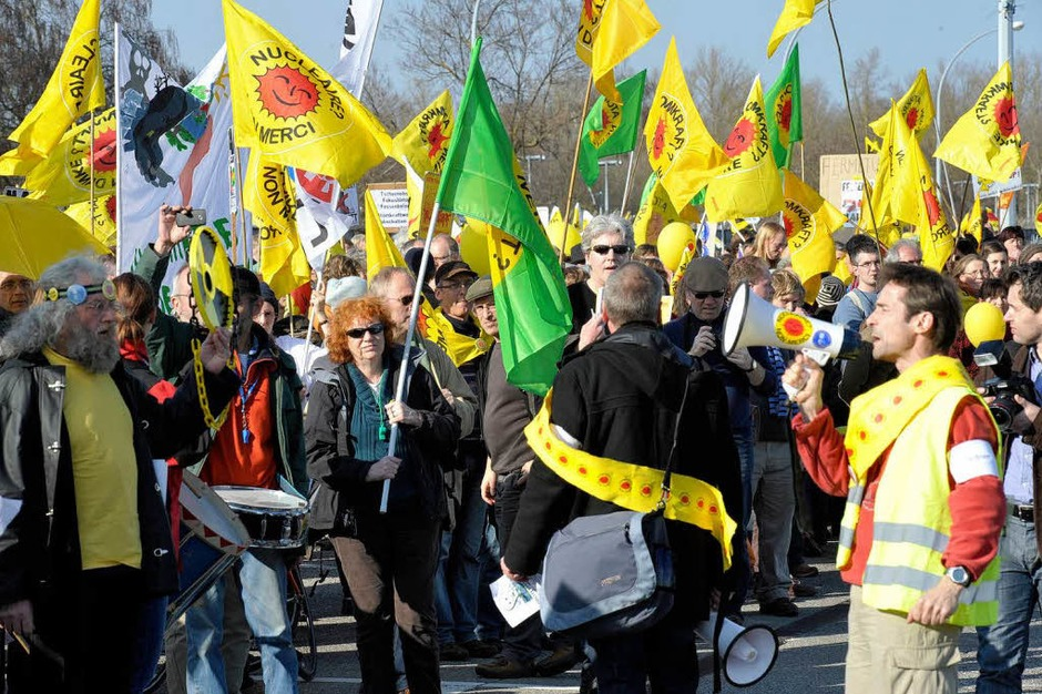 Anti-Atomenergie-Demonstration in Fessenheim am Jahrestag des Kernkraftwerk-Unglücks in Fukushima. (Foto: Volker M?nch)