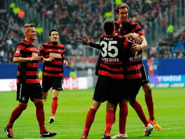 Die SC-Spieler hatten bei ihrem Auftritt in Hamburg gleich dreimal Grund zum Jubeln - und nach dem Abpfiff.