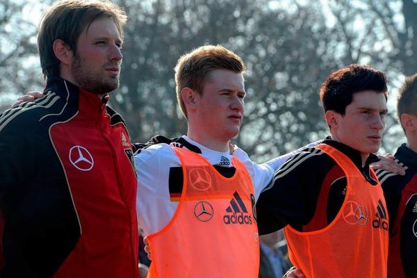U-18-Nationalmannschaft siegt gegen Frankreich 2:0 in Weil am Rhein.