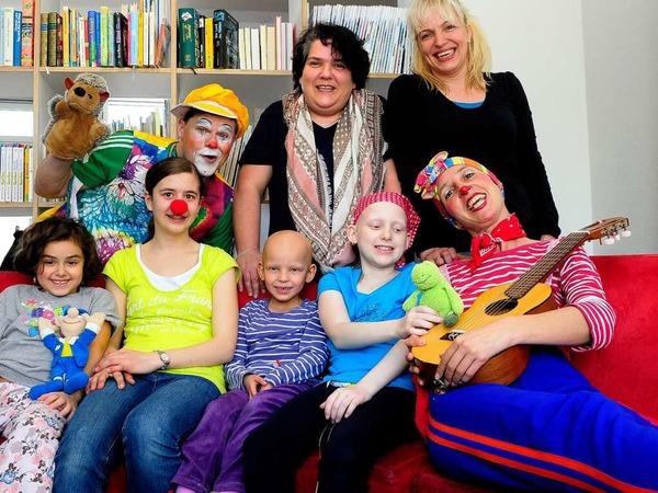 Fototermin: Die Klinikclowns zauberten Kindern und Eltern ein Lächeln ins Gesicht.