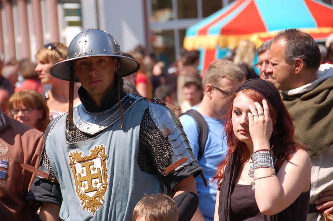 Mittelalter-Fans beim Spectaculum 2011 in Bad Säckingen.    Foto: Stefan Sahli