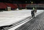 Fotos: So entsteht in Basel das Eis für die Curling-WM