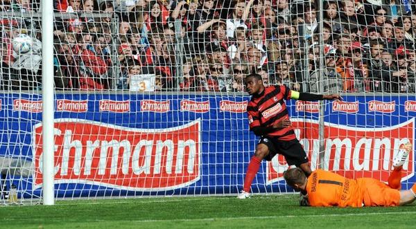 SC Freiburg erkämpft sich ein 2:2 gegen den 1. FC Nürnberg.