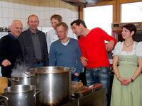 """""""Küchenchefs"""": Fernsehköche nehmen den Breitehof unter die Lupe"""