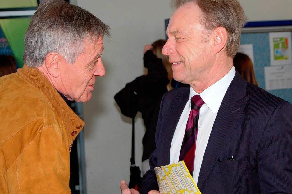 Oberbürgermeister Eberhard Niethammer (links) im Gespräch mit Schulamtsdirektor Frank Heinrich (Foto: Vollmar)