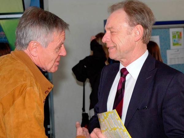 Oberb�rgermeister Eberhard Niethammer (links) im Gespr�ch mit Schulamtsdirektor Frank Heinrich