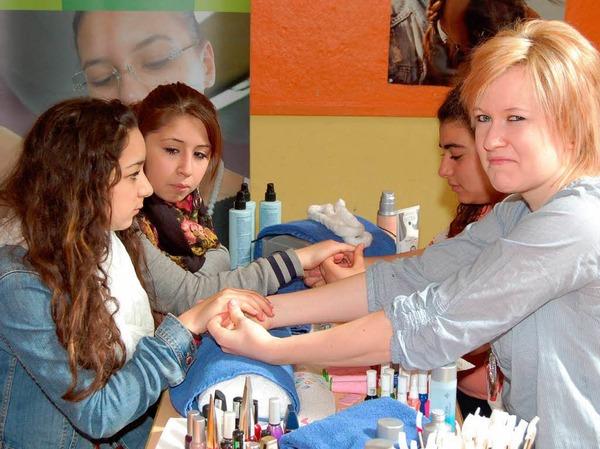 Einblicke in Theorie und Praxis erhielten die Schüler an der Bebit.